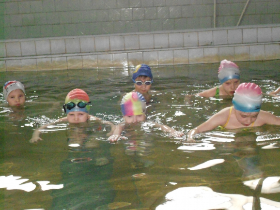 бассейн заринск фото